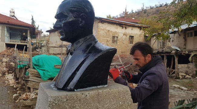 Adıyaman'da 54 Yıllık Atatürk Büstü Onarıldı