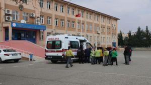 Adıyaman'da 9 Öğrenci Zehirlenme Şüphesiyle Hastaneye Götürüldü