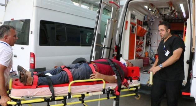 Adıyaman'da İki Otomobil Çarpıştı:5 Yaralı