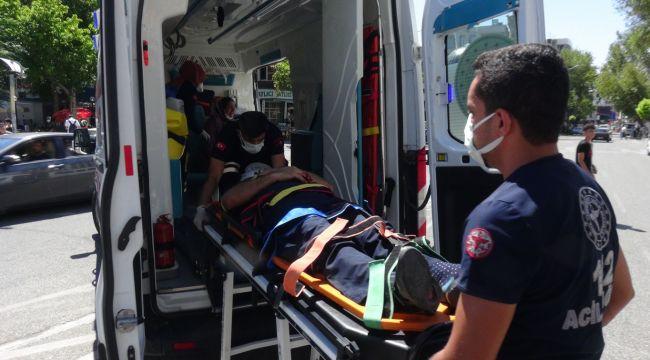 Adıyaman'da Otomobil İle Motosiklet Çarpıştı: 2 Yaralı - Videolu Haber
