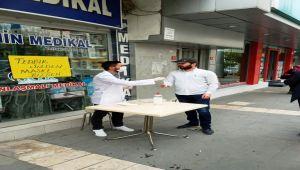 Adıyaman'da Şahin Medikal Ücretsiz Maske Dağıttı