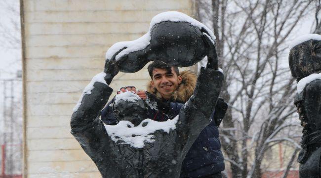 Adıyaman'da Vatandaşlar Kar Keyfi Yaşadı