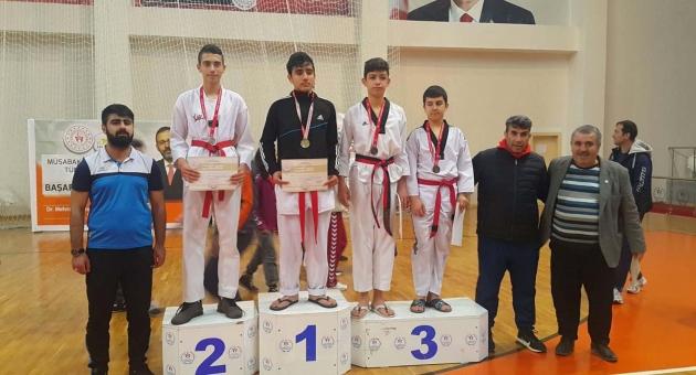Adıyaman, Türkiye Tekvando Şampiyonasında Madalya Bekliyor