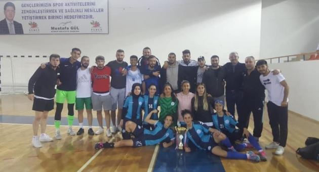 Adıyaman Üniversitesi Kadın Futsal Takımı Şampiyon Oldu