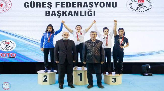 Adıyaman Üniversitesi Öğrencisi Aynur'dan Altın Madalya