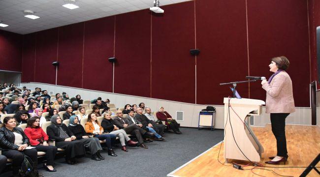 """Adıyaman Üniversitesinde """"Kadın ve Erkek Beyni"""" Konferansı"""