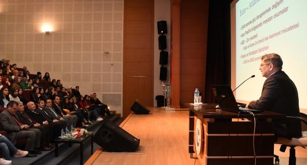 """Adıyaman Üniversitesinde """"Ortadoğu'da Dengeler Değişirken"""" Konferansı"""