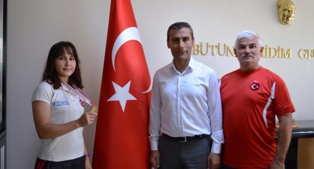 Adıyamanlı Gamzegül, Halterde Türkiye Şampiyonu Oldu