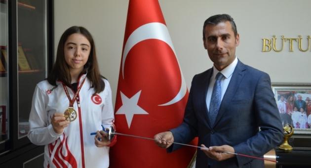 Adıyamanlı İlayda, Eskrimde Türkiye Şampiyonu Oldu