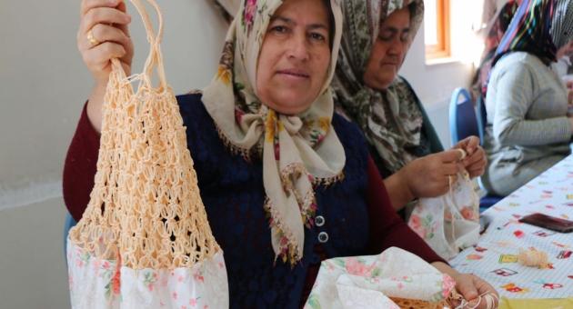 Adıyamanlı Kadınlar, Çevre Dostu Bez Çanta Üretip, Dağıtıyor