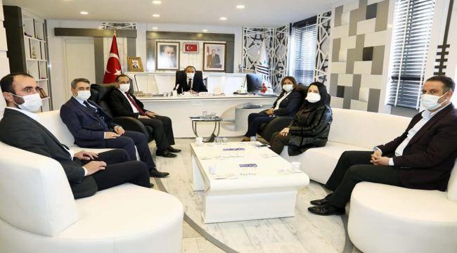 AK Parti Kadın Kolları Genel Başkan Yardımcısı Ekinci'den, Başkan Kılınç'a ziyaret