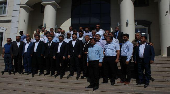 AK Partili Milletvekillerinin Kahta Çıkarması