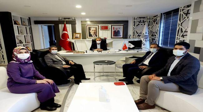 AK Partili yöneticilerden Başkan Kılınç'a ziyaret