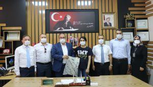 Alagöz'den LGS Türkiye birincisi Rana Arıcı'ya ödül