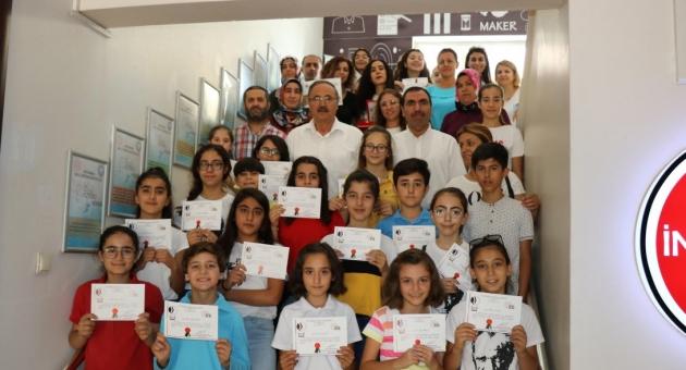 Altın Yürekler Çocuk Korosu, 'Türkiye Korolar Şenliği' Yarışmasına Katıldı