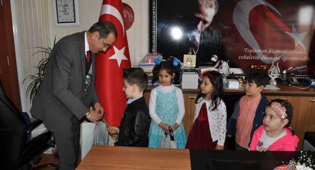 Anaokulu Öğrencilerinden Özdemir'e Ziyaret