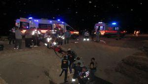 Babasını Hastaneye Götürürken Kaza Yaptı: 2 Ölü, 1 Ağır Yaralı - Videolu Haber