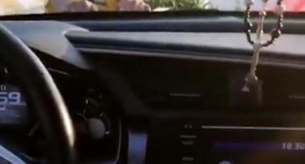 Bahşiş Almak İçin Kaputa Tutunan Çocukla Yoluna Devam Etti - Videolu Haber