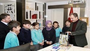 Başkan Kılınç, Ortaokul Öğrencilerini Kabul Etti