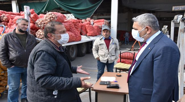 Başkan Sadıkoğlu'ndan, sebze meyve komisyoncularına ziyaret