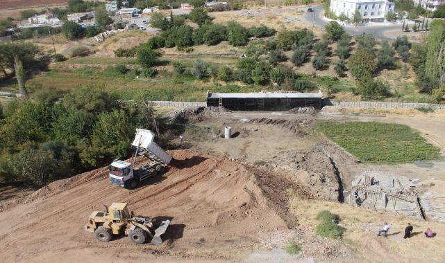 Başkan Turanlı: Arikent deresinde zemin dolgu çalışmalarımız sürüyor