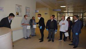 Belediye Başkanı Emre'den Sağlık Çalışanlarına Moral Ziyareti