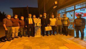 Besni Belediyesi'nden okullara dezenfektan standı