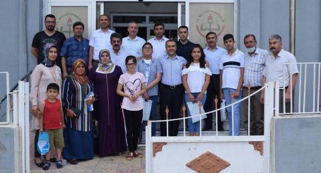 Besni'de Dereceye Giren Öğrenciler Ödüllendirildi