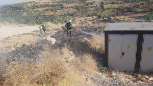 Besni'de itfaiye ekipleri trafoyu yanmaktan son anda kurtardı