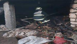 Besni'de Kömürlük Yangını 5 Saatte Söndürüldü