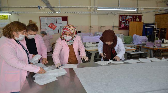 Besni'de Maske Üretimine Start Verildi