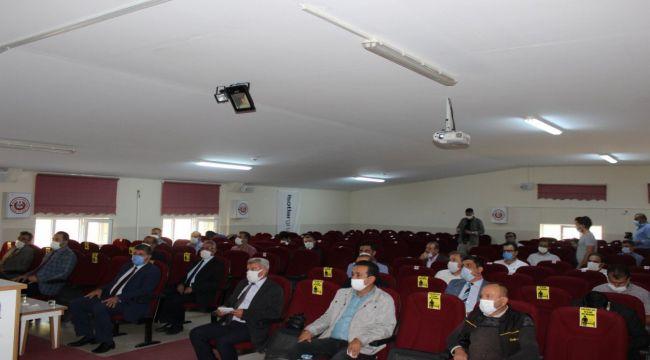 Besni'de yeni eğitim-öğretim yılı masaya yatırıldı