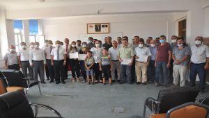 Besni Mesleki Eğitim Merkezi kursiyerlerinin diploma sevinci