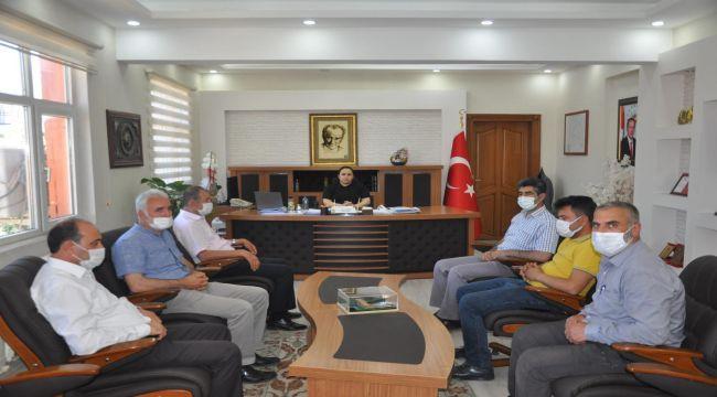 Besni STK temsilcilerinden Kaymakam Demir'e ziyaret