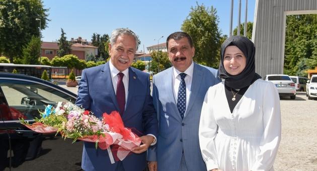 Bülent Arınç'tan Başkan Gürkan'a Ziyaret