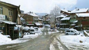 Çelikhan'da 14 Köy Yolu Ulaşıma Kapandı