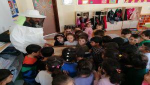 Çelikhan'da Anaokulu Öğrencilerine Arıcık Mesleği Tanıtıldı