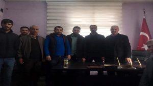 Çelikhan'da Berberler Kepenk Kapattı