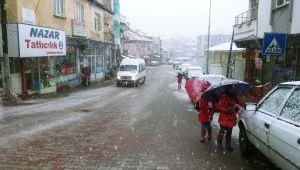 Çelikhan'da Eğitime Kar Engeli