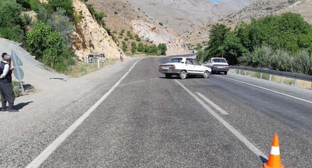 Çelikhan'da Hafif Ticari Araç İle Otomobil Çarpıştı: 6 Yaralı