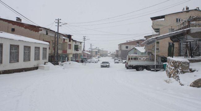 Çelikhan'da Köy Yolları Ulaşıma Kapandı