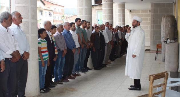 Çelikhan'da Muhammed Mursi İçin Gıyabi Cenaze Namazı Kılındı