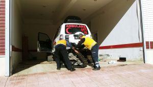 Çelikhan'da Paletli Ambulans Yeni Kış Paletlerini Taktı