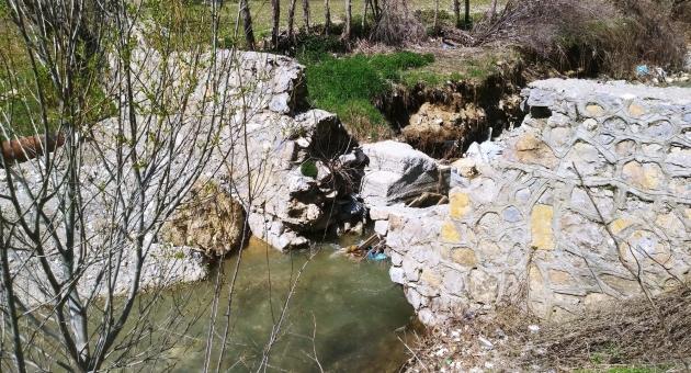 Çelikhan'da Şiddetli Yağışlara Dayanamayan Kanal Duvarı Çöktü