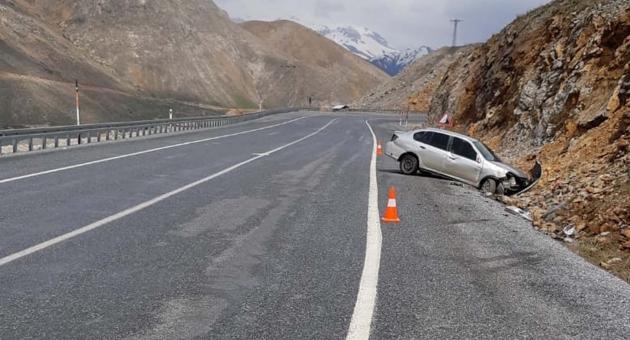 Çelikhan'da Trafik Kazası: 2 Yaralı