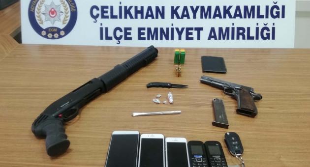 Çelikhan'da Yol Kontrolünde : 3 Gözaltı