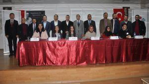 'Cengiz Aytmatov' Paneline Yoğun İlgi