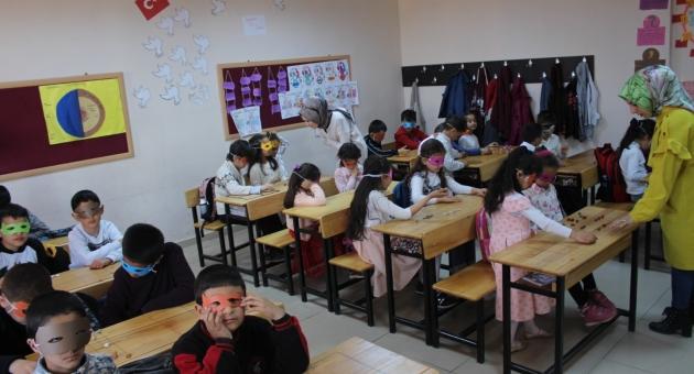 Çocuklar Klasik Türk Oyunları İle Teknoloji Bağımlılığından Uzak Duruyor