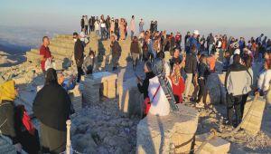 Dünya'nın 8. Harikası Nemrut Dağı'na ziyaretçi akını