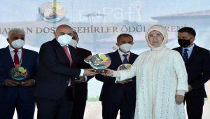 Emine Erdoğan'dan, Adıyaman Belediyesi'ne özel ödül